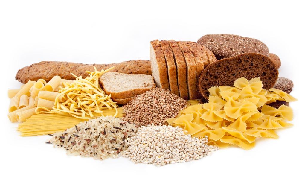 Consume alimentos ricos en hidratos de carbono