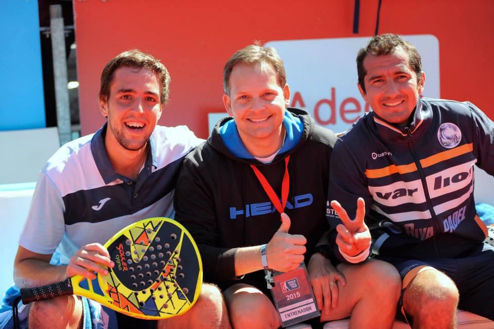 Lucho Capra y David Gutiérrez junto a su entrenador
