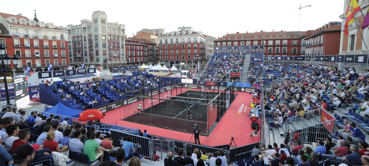 La Plaza Mayor mostró sus gradas llenas en el World Padel Tour Valladolid