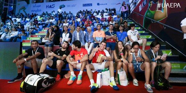 Foto de familia de los jugadores en la última jornada del Dubai Padel Master
