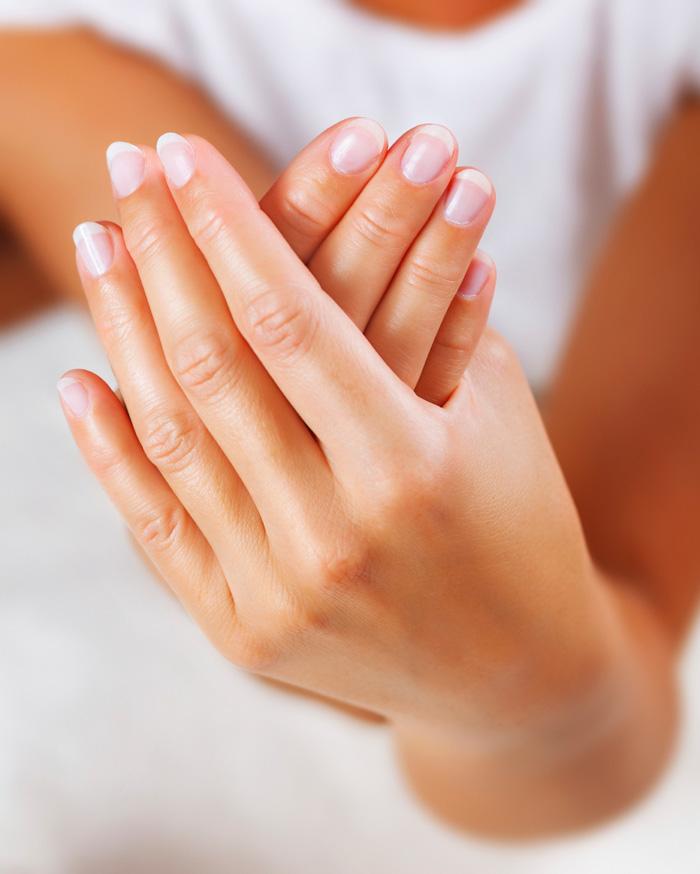 Si te sudan mucho las manos durante tus partidos de pádel el gel Dry-Set puede ser tu solución