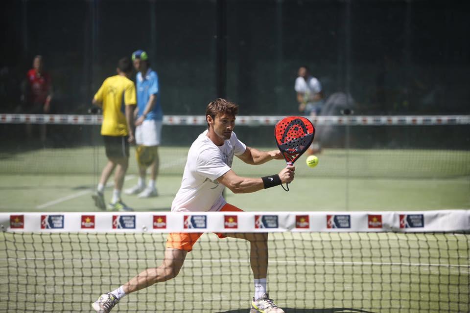 Juan Carlos Ferrero jugando la fase pre previa de la prueba madrileña