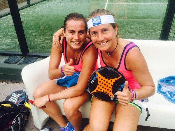 Carolina Navarro y Ceci Reiter minutos después de terminar su partido