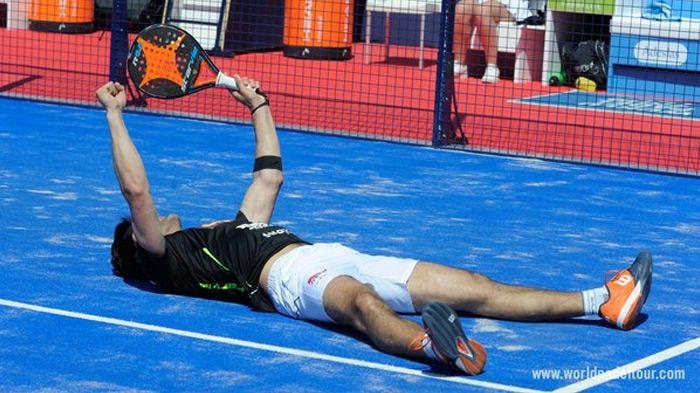 Borja Yribarren celebrando la victoria de dieciseisavos
