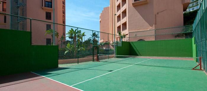 Pista de pádel del Hotel Fuerte Marbella
