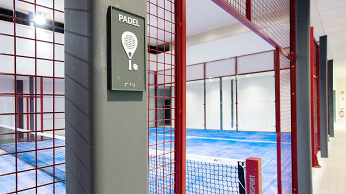 El club Skogas Racketcenter cuenta con dos pistas de pádel indoor
