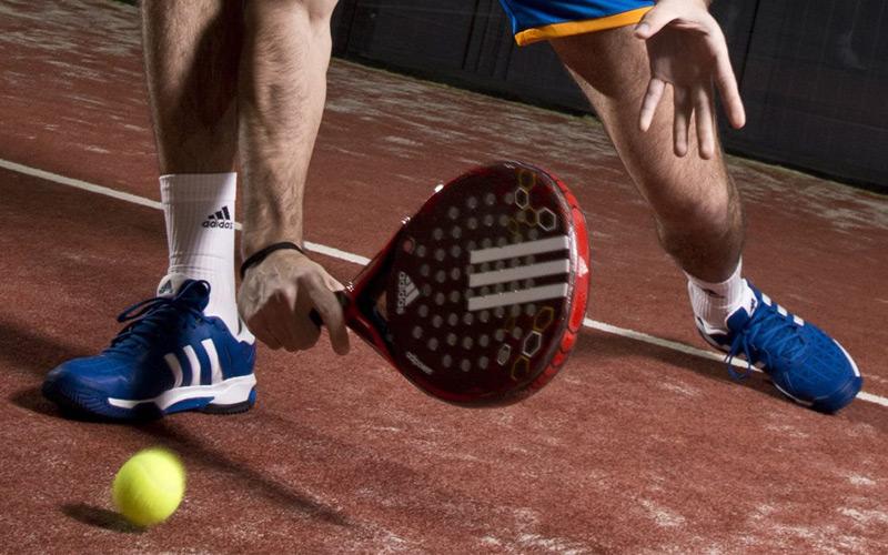 Hay diversos factores que influyen en que nuestras zapatillas de pádel duren más o menos