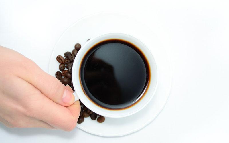 Tomar café te puede ayudar a incrementar tu energía y a estar más concentrado