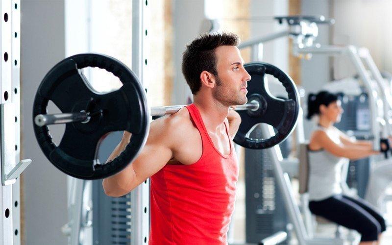 10 ejercicios fundamentales que no pueden faltar en tu preparación física de pádel