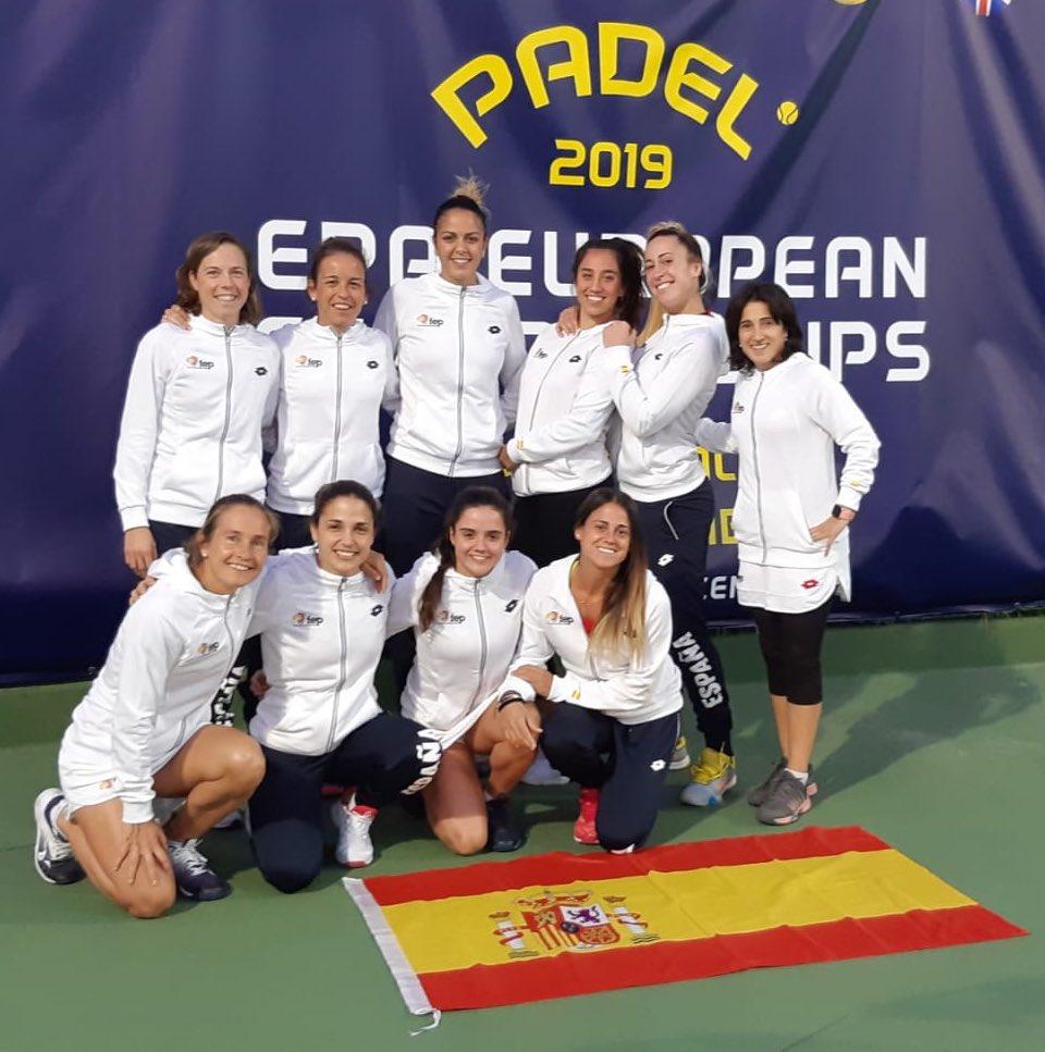 El equipo femenino español en el Europeo de Pádel de Lisboa