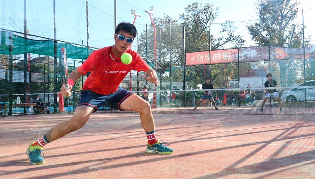 Tomoaky Murasawa jugando en Japón