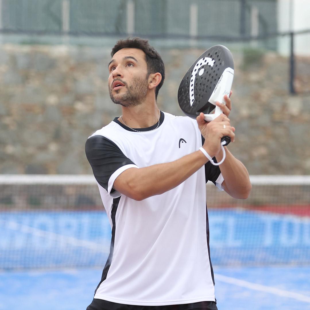 Sanyo Gutiérrez, vistiendo una camiseta de la nueva colección de HEAD Pádel