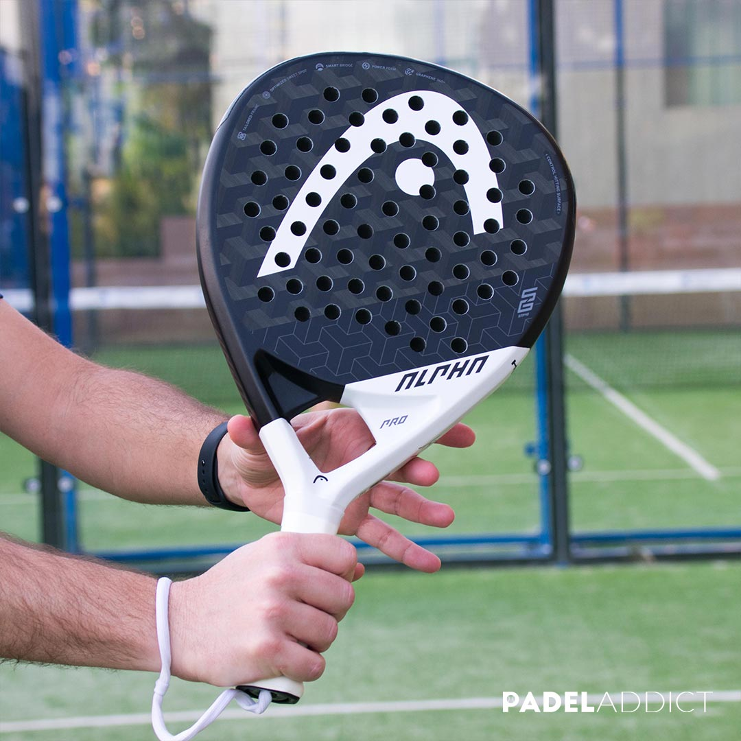 La Alpha Pro es una pala para jugadores de nivel avanzado o de competición